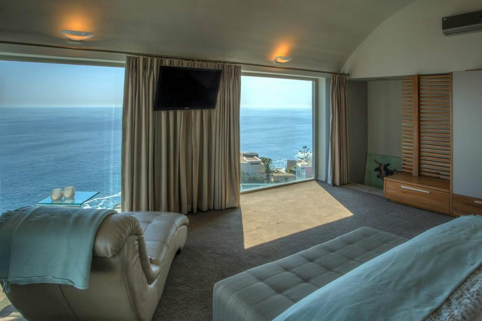 Aegea - Master bedroom & Sea Views