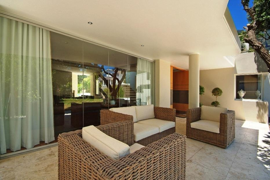 Silvertree - Outdoor living area ground floor