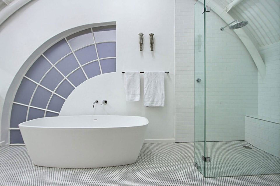 The Studios - En-Suite Bath