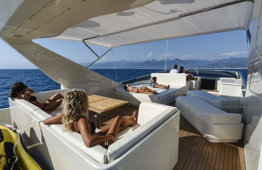 Yacht rental in Cape Town
