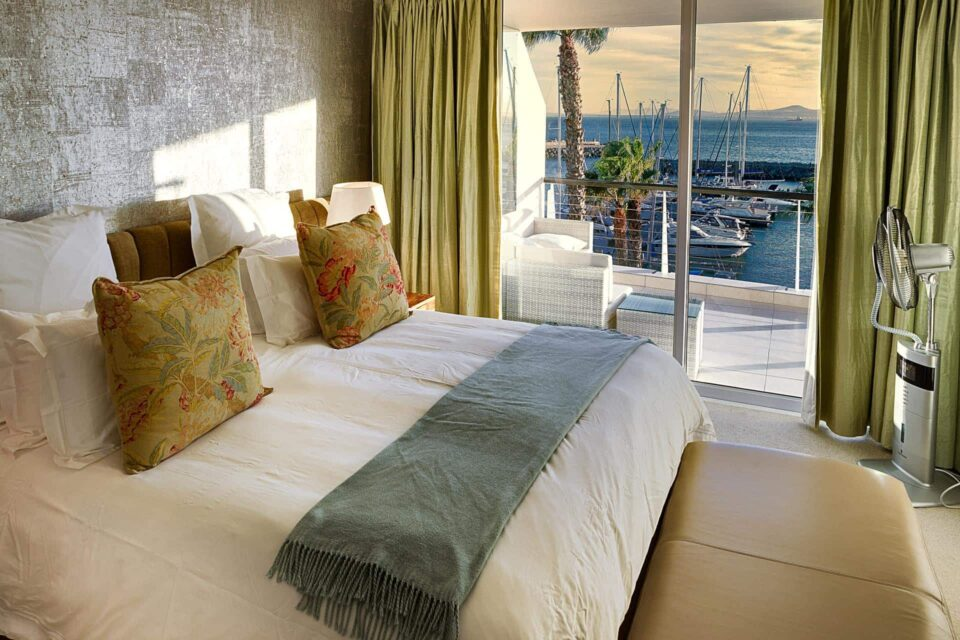 Aqua Views - Master bedroom & marina views