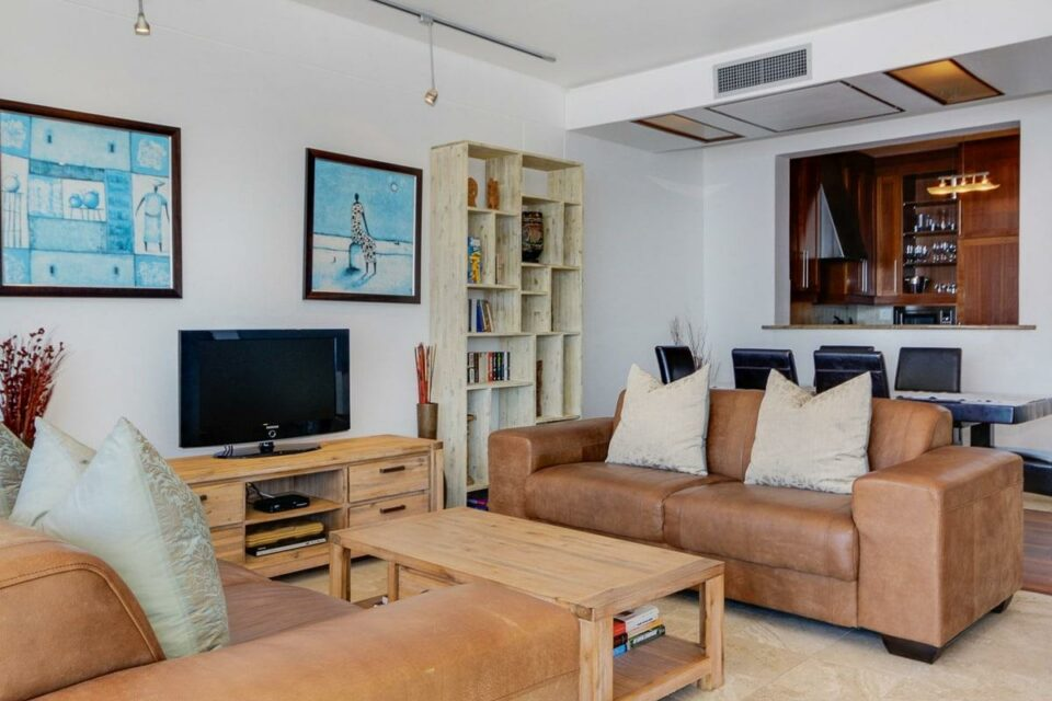 Bali Luxury Suite C - Living area & TV