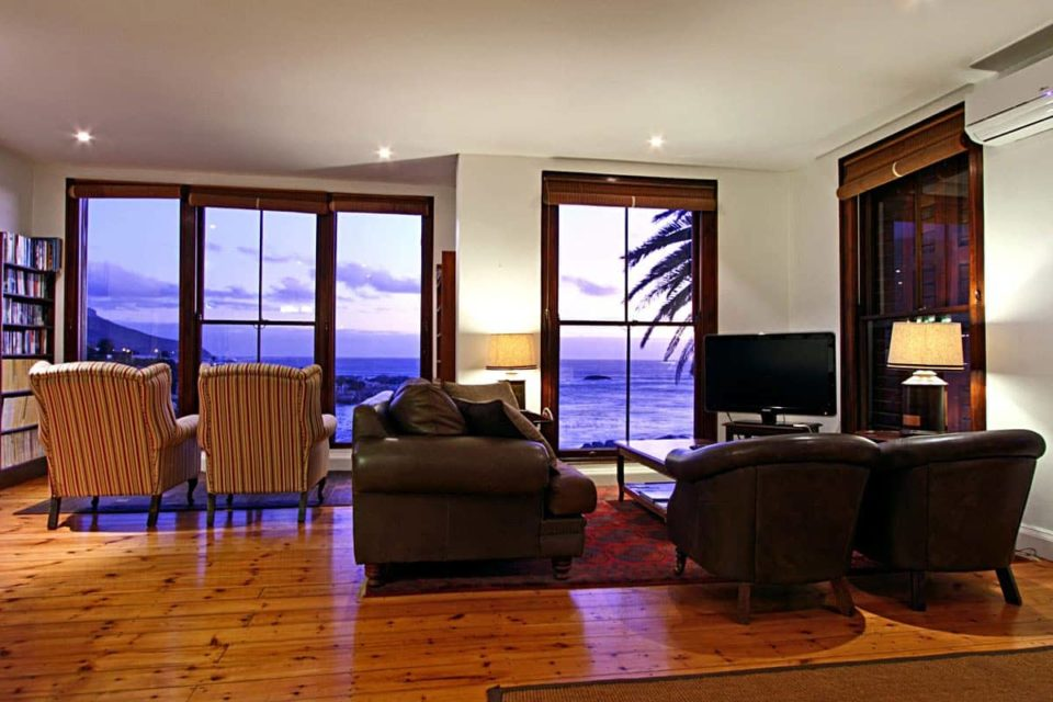 Camps Bay Terrace Lodge - Living area