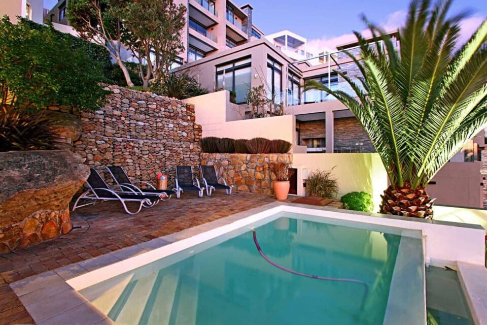 Camps Bay Terrace Palm Suite Camps Bay Terrace Palm Suite - Pool & sun loungers
