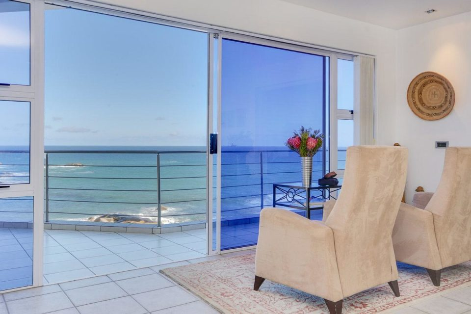 Camps Bay Terrace Penthouse - Living area & view