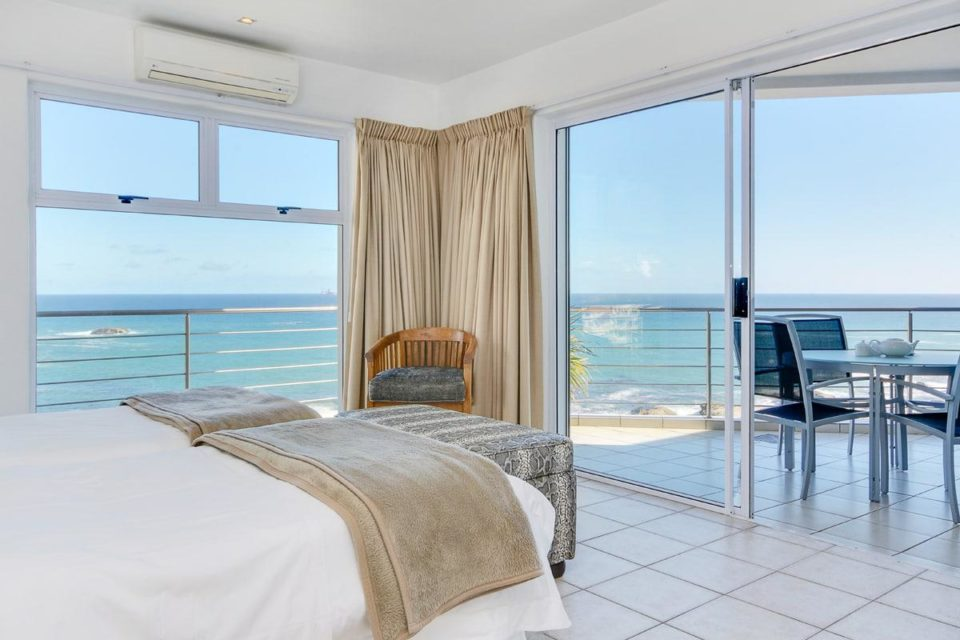 Camps Bay Terrace Penthouse - Second bedroom & View