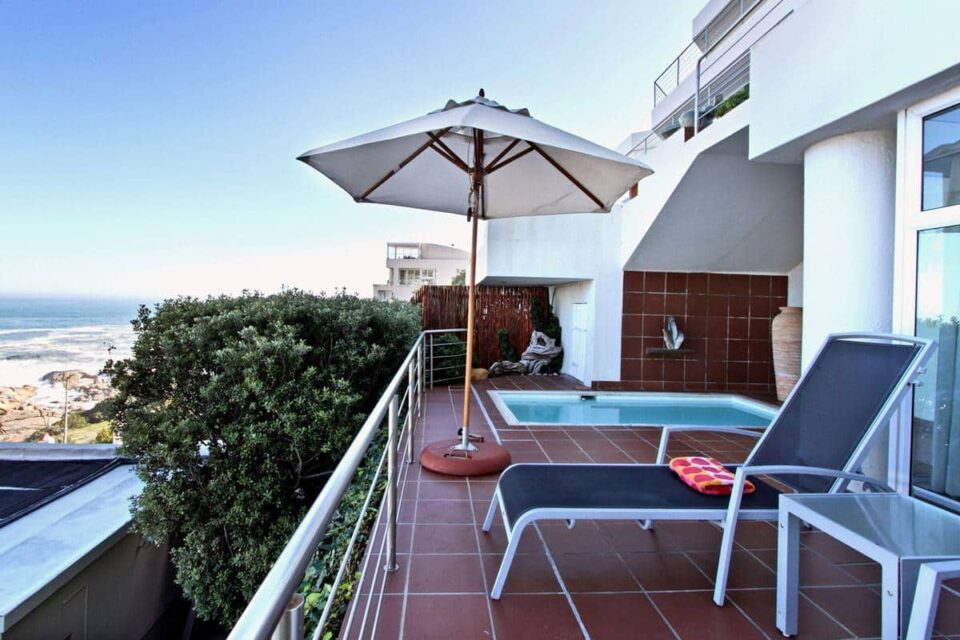 Camps Bay Terrace Suite - Balcony & Pool