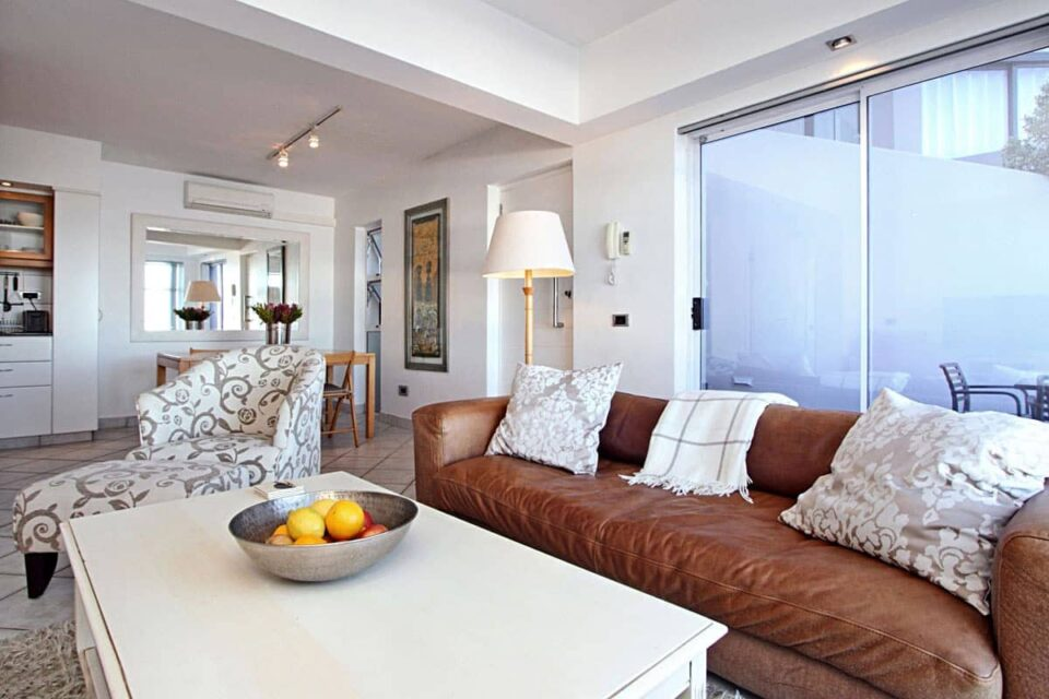 Camps Bay Terrace Suite - Living area & entrance