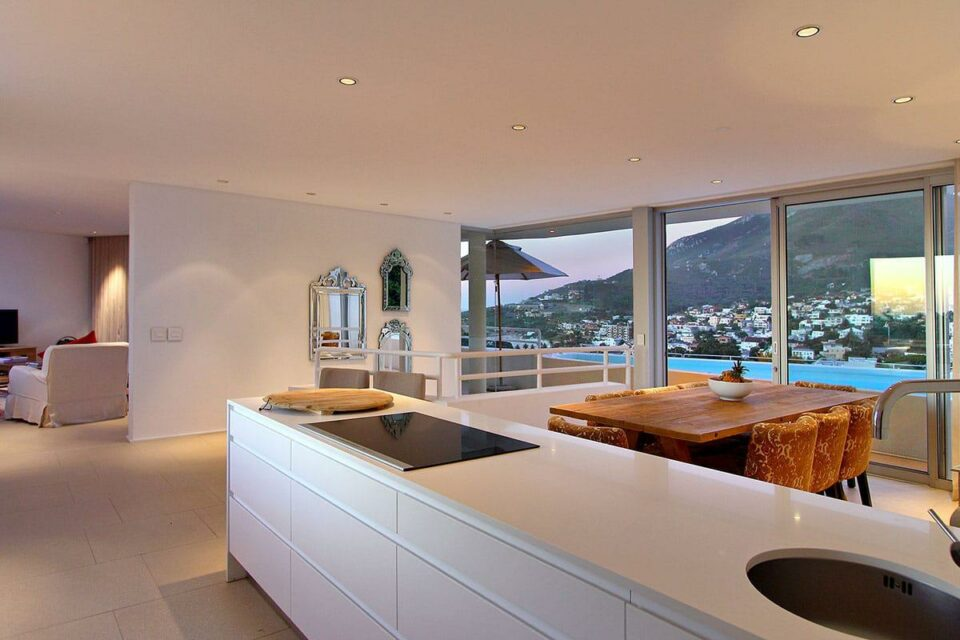 Silvertree - Kitchen Lions Head View