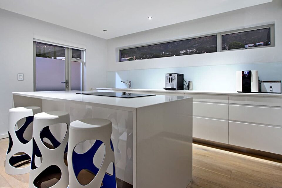 Hougthon Penthouse - Kitchen Counter