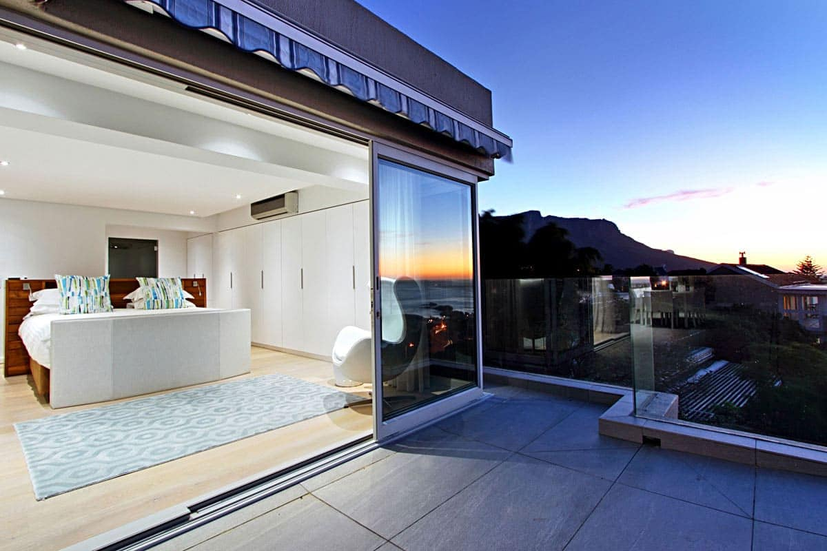 Houghton Penthouse Holiday Apartment In Camps Bay