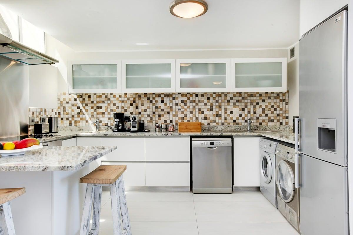 Driftwood - Holiday Apartment in Camps Bay