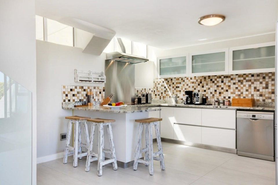 Driftwood - Kitchen seating