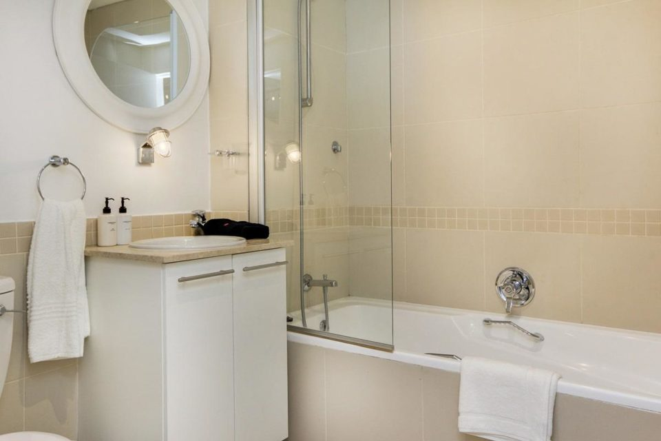 Dunmore Breeze - Dedicated bathroom