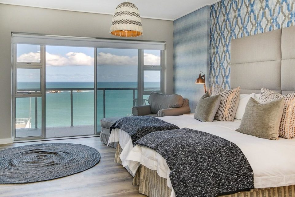 Dunmore Breeze - Second bedroom with View