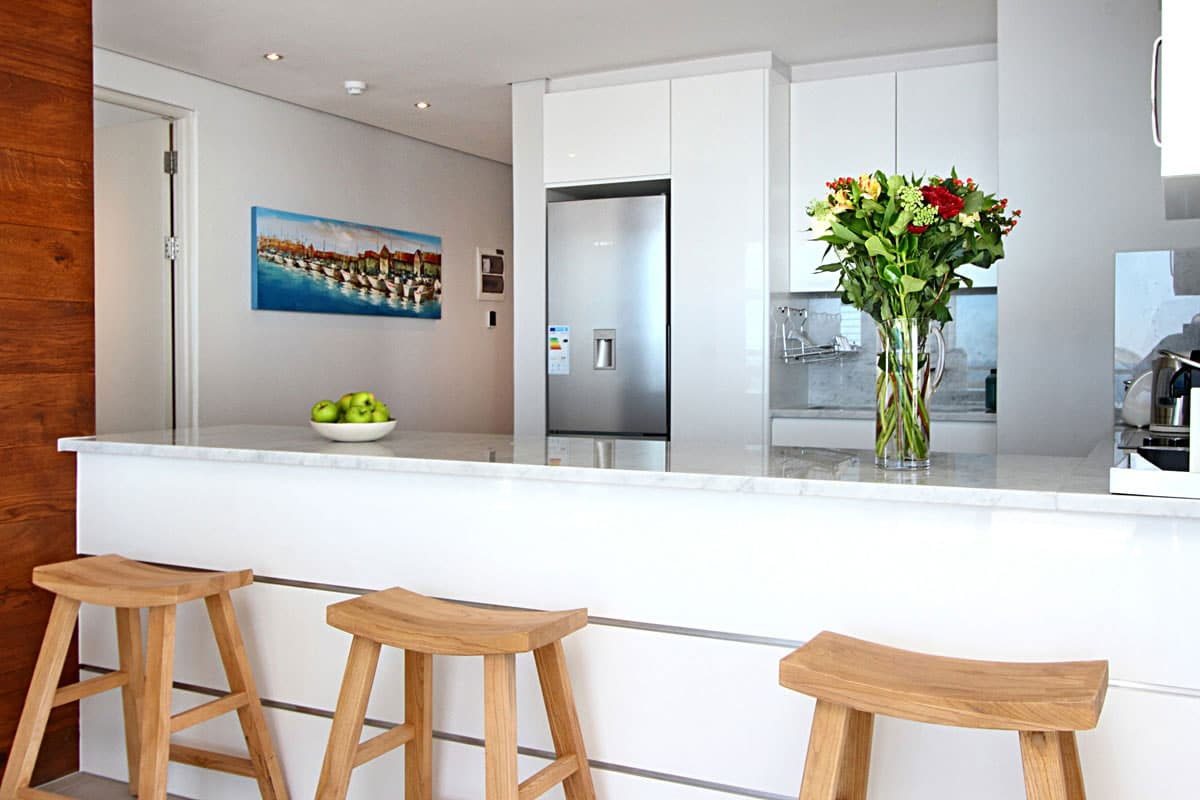 Kitchen Side View : Fairmont holiday apartment in sea point