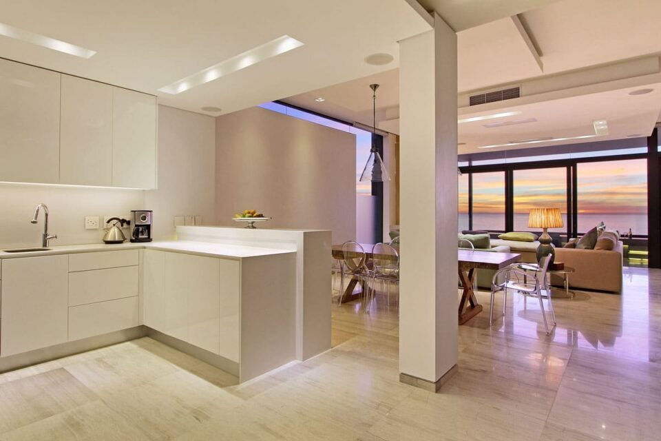 Hamaya - Kitchen, living & dining area