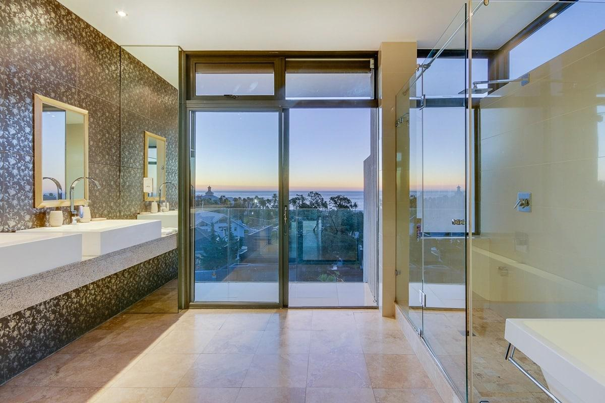Harrier Place - Holiday Villa in Camps Bay
