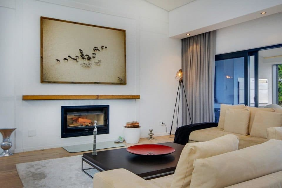 Hely Villa - Living area & fire place