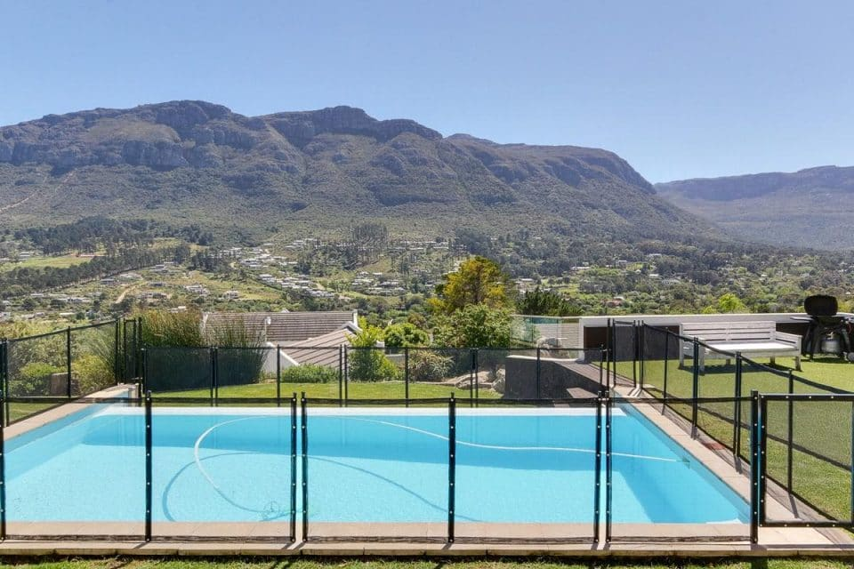 Oakwood Lane - Pool & Mountain View