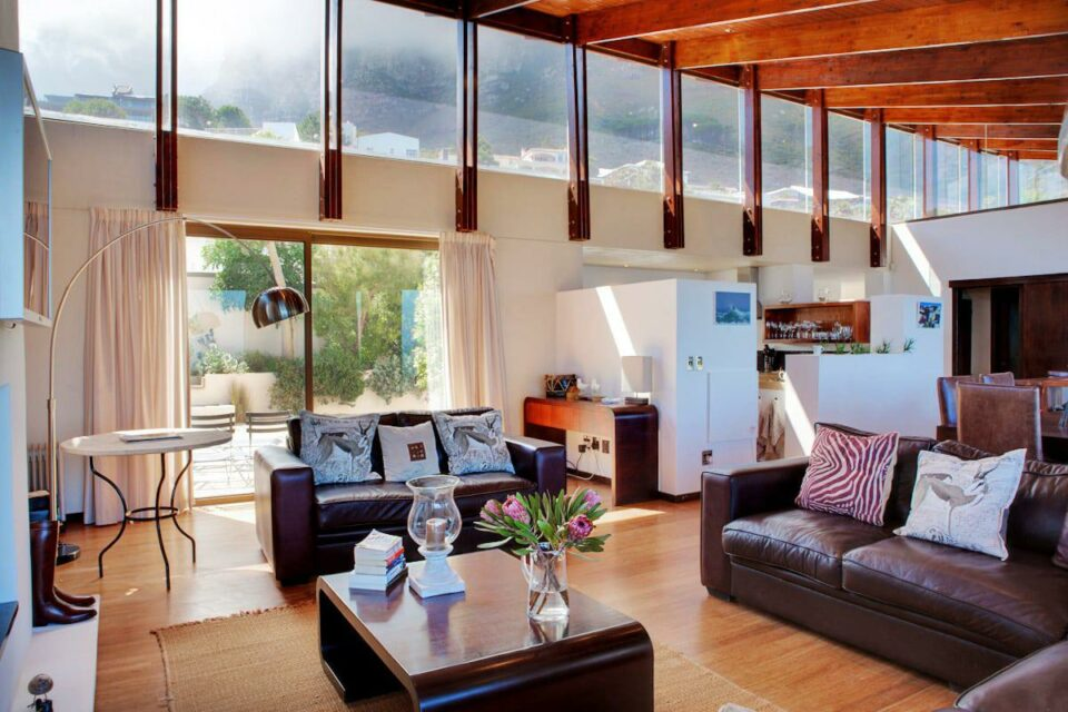 Oudekraal Lodge - Living area