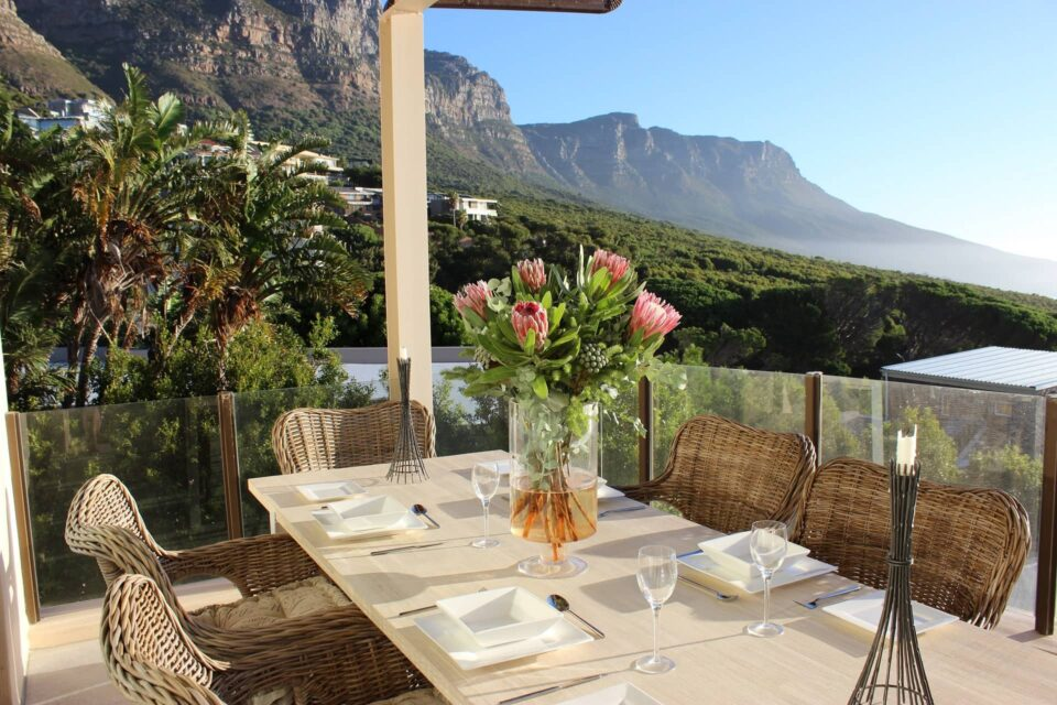 Oudekraal Lodge - Outdoor dining