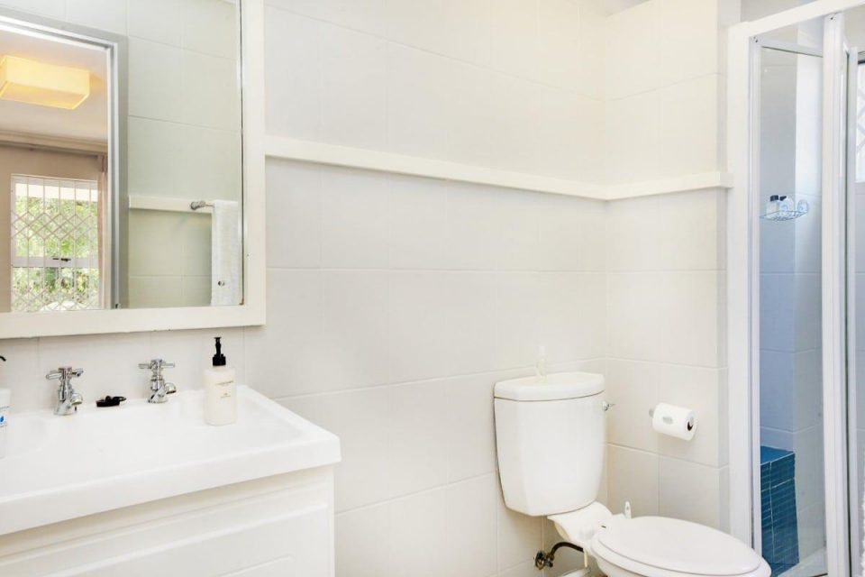 Sutton Place - En-suite