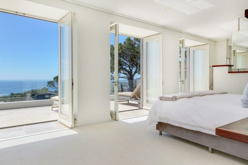 Villa Olivier - Master bedroom & View