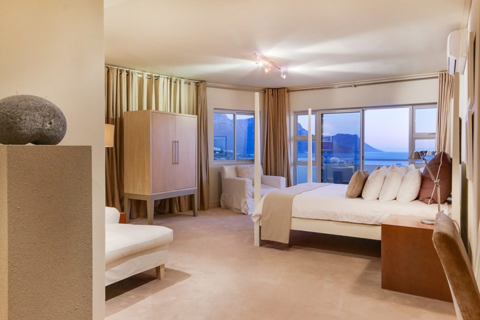 Dunmore Views - Maste Bedroom