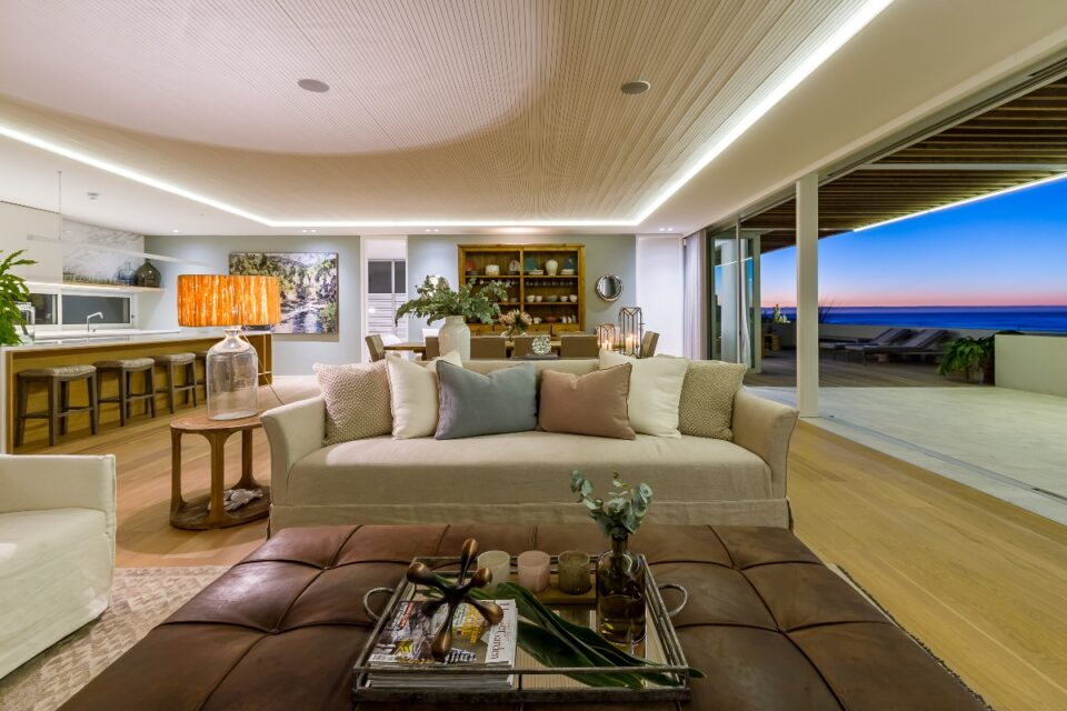 Topaz Ocean View Penthouse - Living room with Views