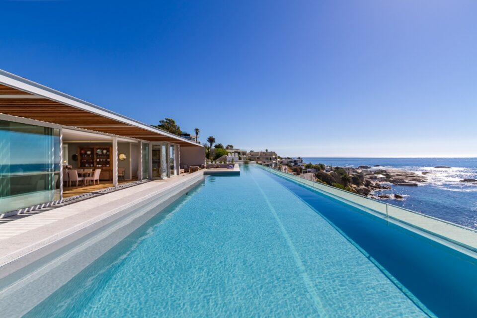 Topaz Ocean View Penthouse - Pool & View