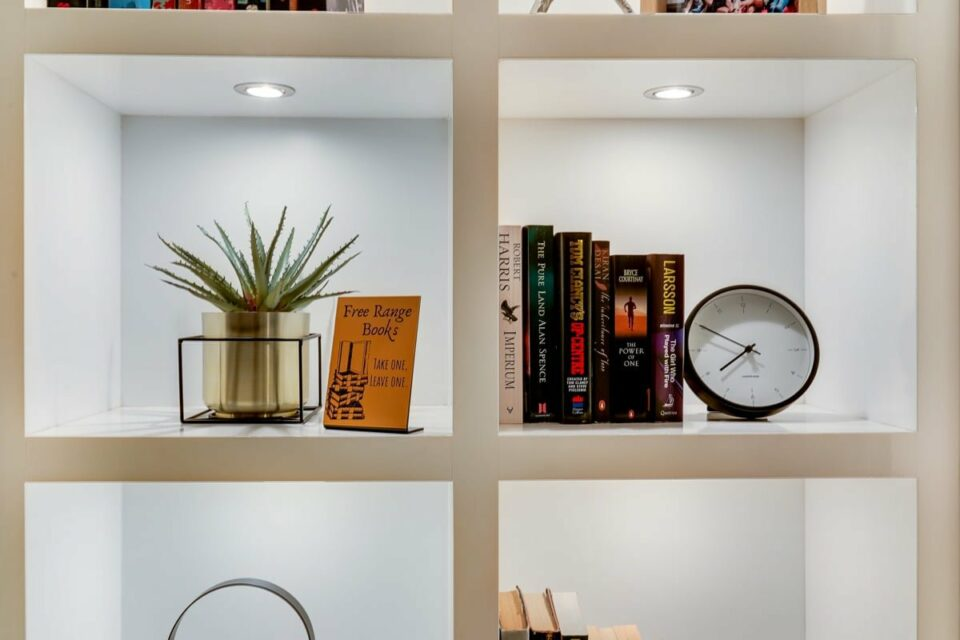 Atlantic Spray - Book shelf