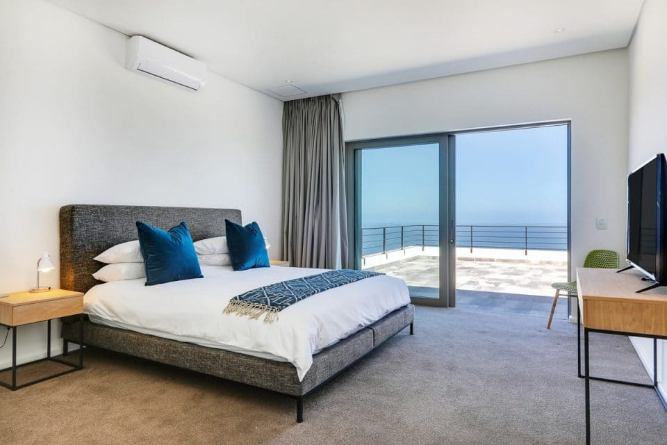 The Views - Master bedroom