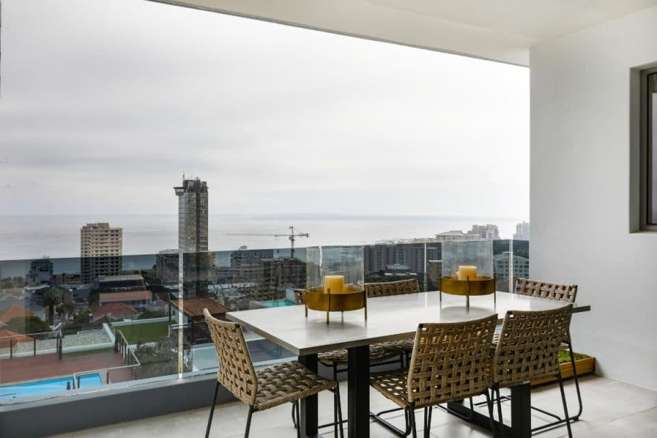 Penthouse on B - Dining