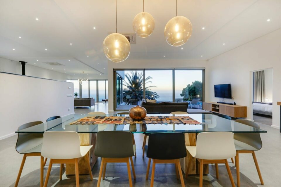 The Views - Dining area