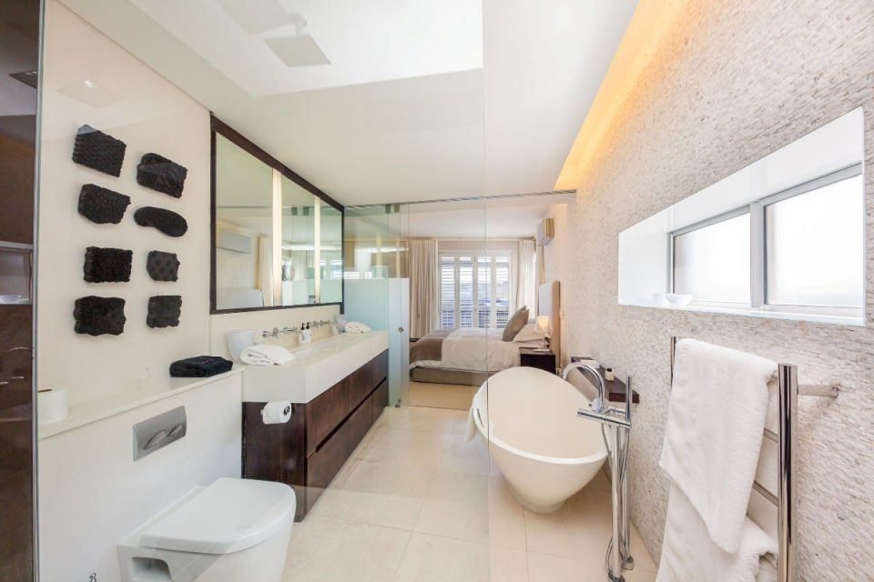 Echelon - Master bathroom