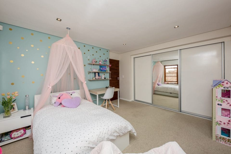 Oakwood Lane - Kids Room girls 2