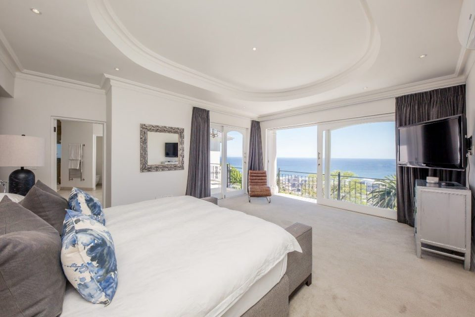 Secret Tranquility - Master bedroom with views