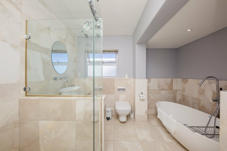 Atlantic Views - En-suite bathroom