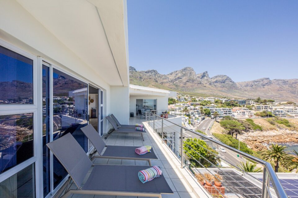 Camps Bay Terrace Penthouse - Loungers