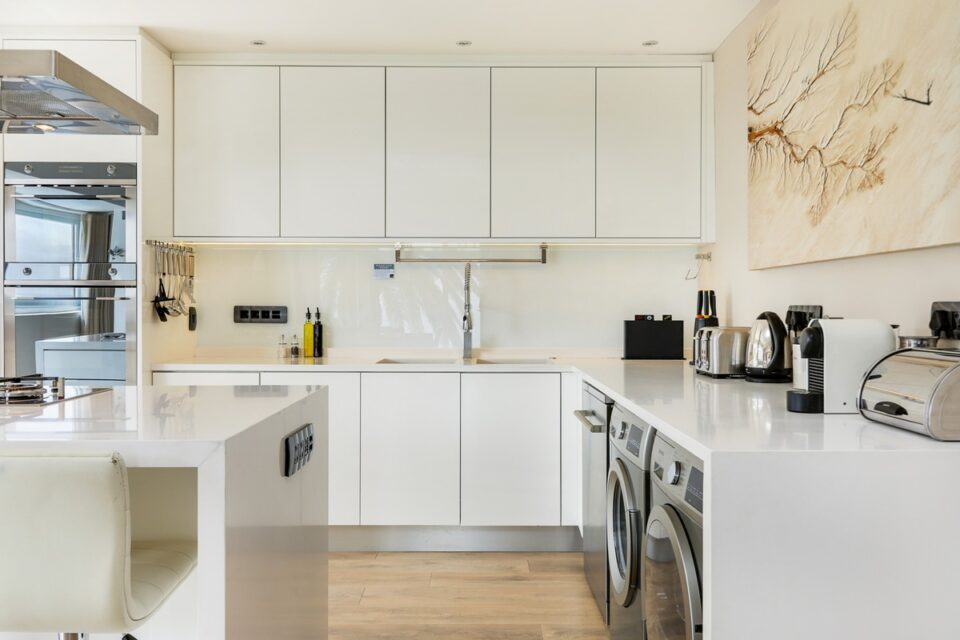 Houghton Steps - Fully Equipped Kitchen