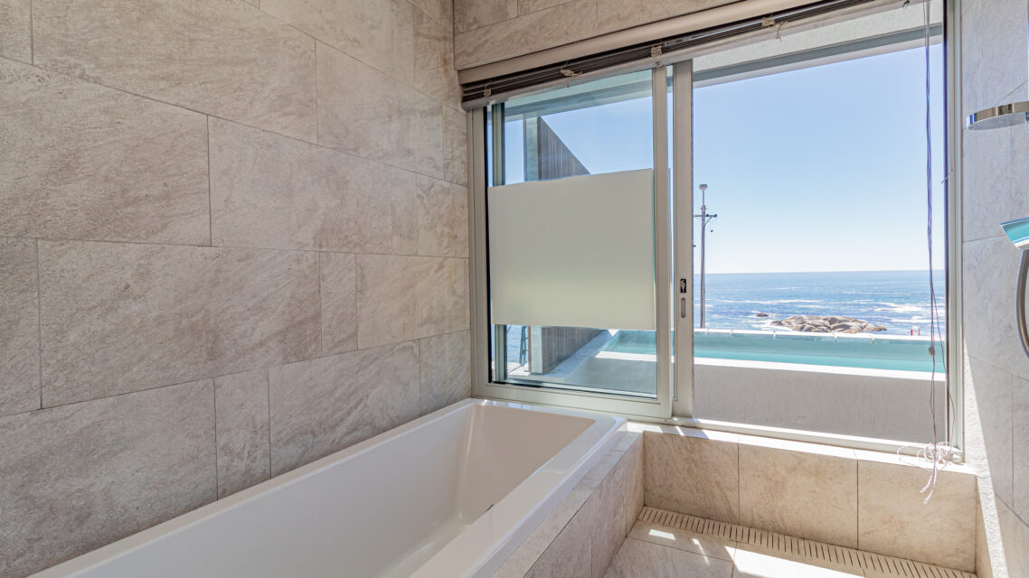 Onyx - En-suite with Views