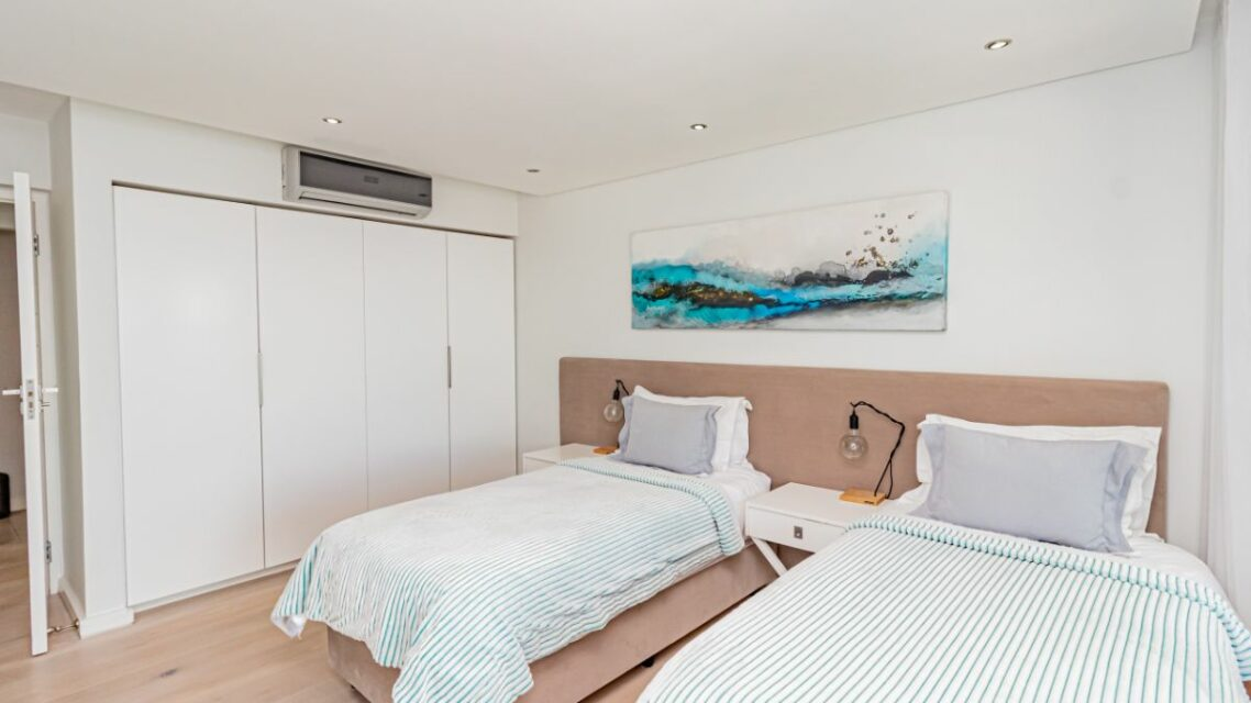 Houghton Penthouse - Twin Room with AC
