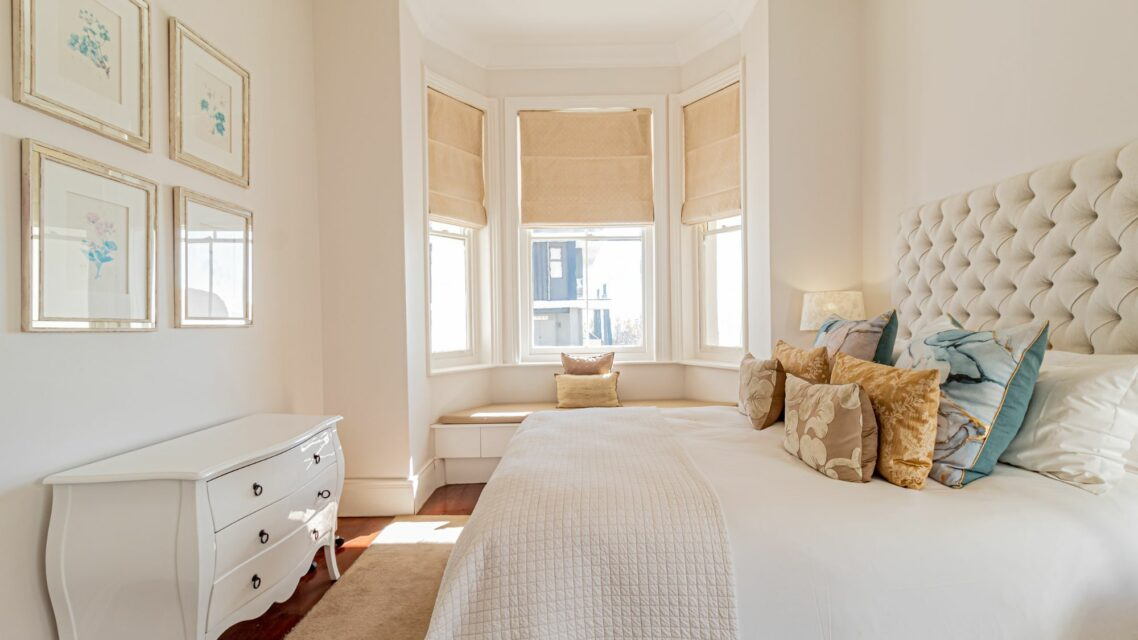 Six Selbourne - Master bedroom with bay window view