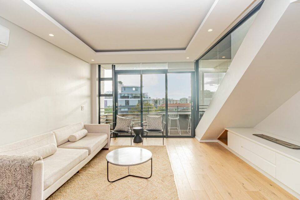 9 on S - Living Area