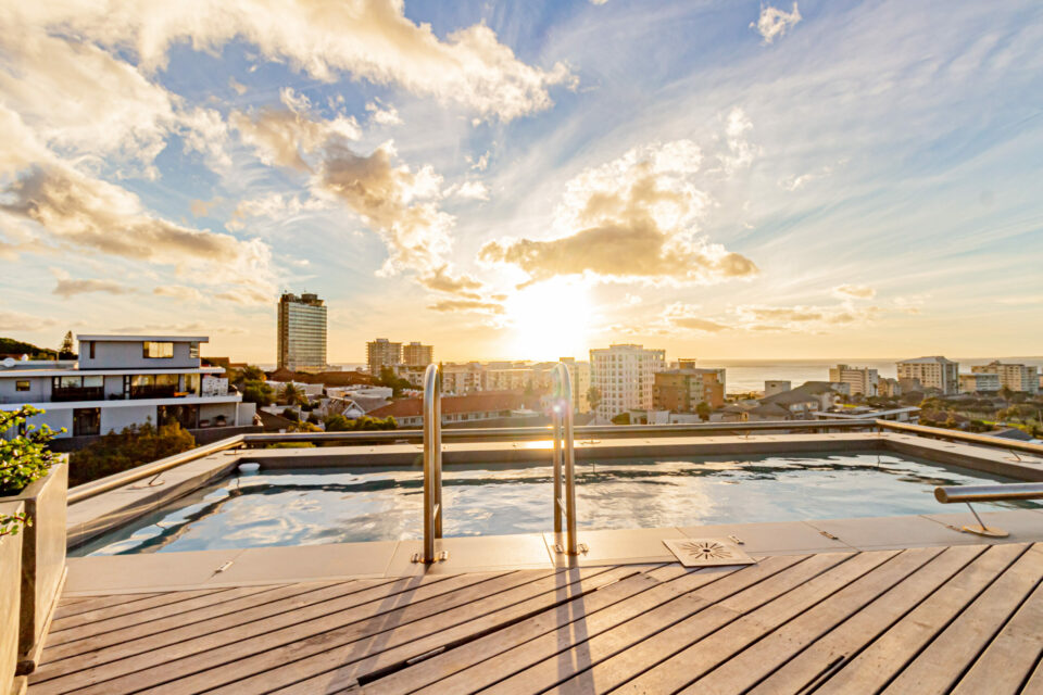Scholtz Penthouse - Swimming pool with views