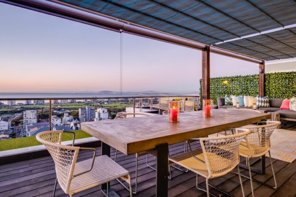 3 Degrees North Penthouse - Outside Dining