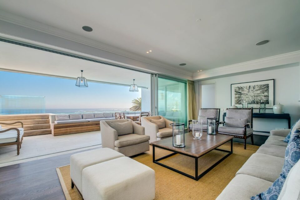 Caliche - Living Room with Views