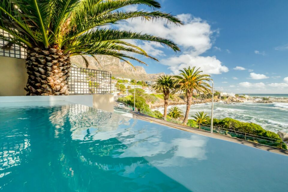Camps Bay Terrace Palm Suite - Pool View