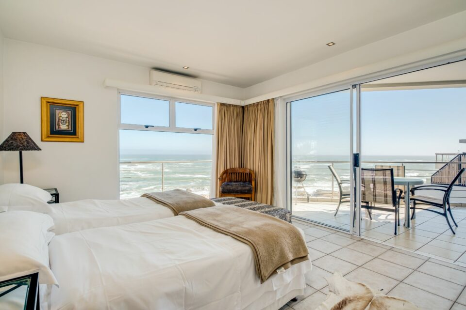 Camps Bay Terrace Penthouse - Second Bedroom Views